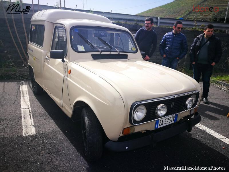 Parking Vintage Renault_4_F4_Sinpar_850_34cv_80_ZA523_ZV_2