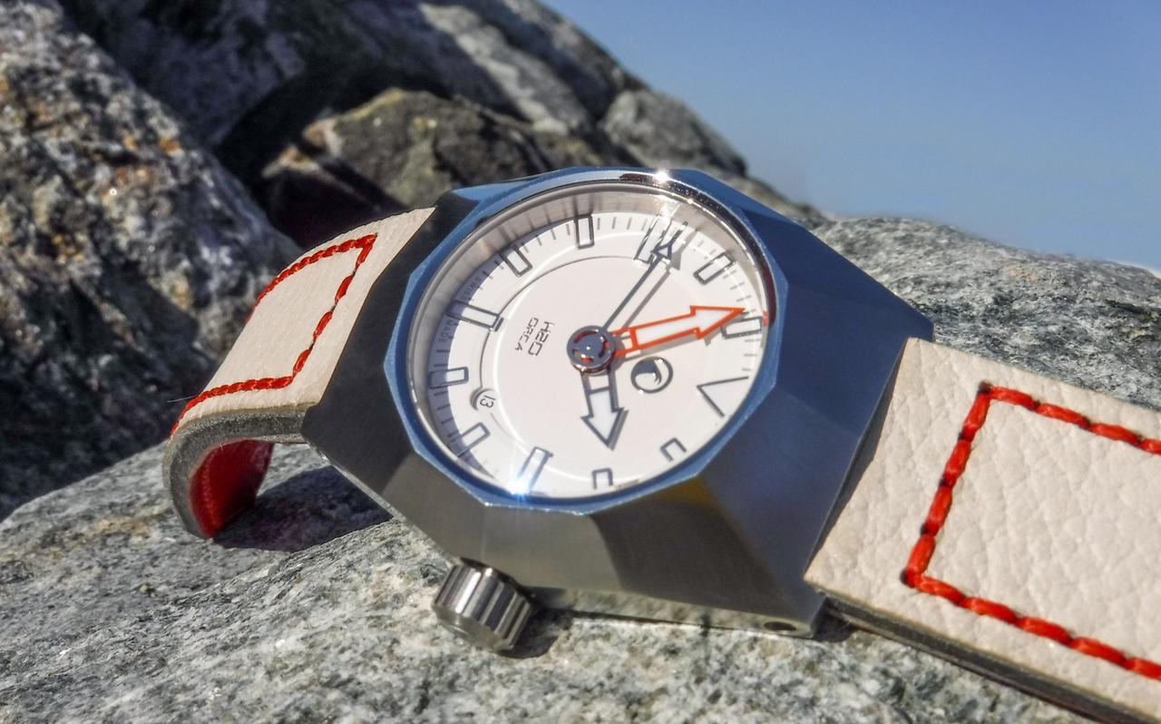 Votre montre du jour - Page 6 DSCF2339_1600x1200