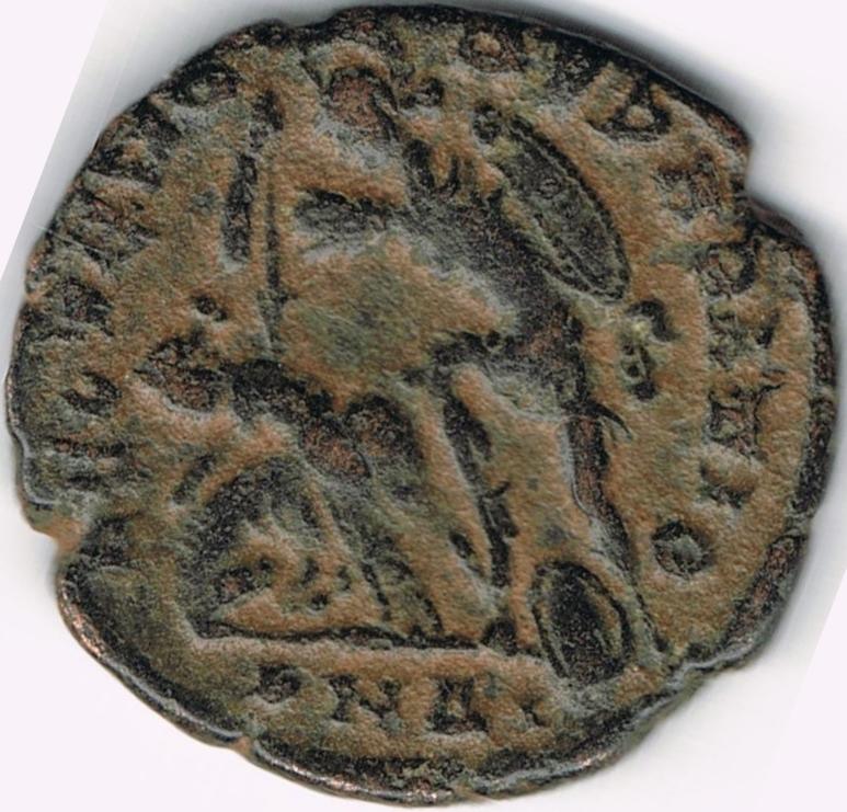 AE4 de Constancio II. FEL TEMP - REPARATIO . Soldado romano alanceando a jinete caído. Antioch. IR40_B