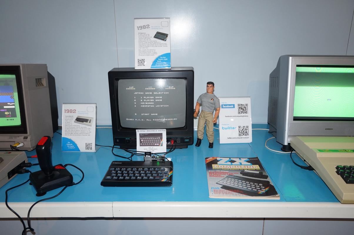 My MAM visiting  Cambridge Computer History Museum. 5_A4_E3923-_CE50-4596-9_F87-34_A1_F31_E2_DAF