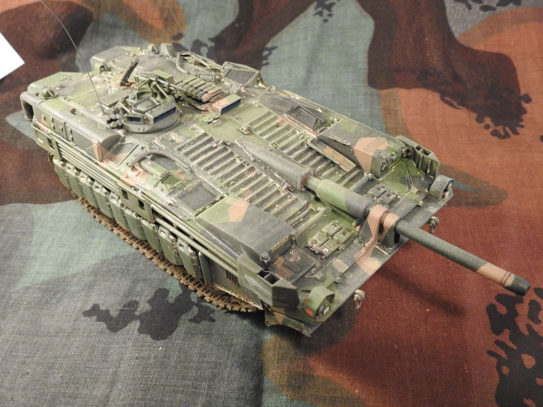 Strv 103C, Trumpeter 1/35 - Sida 4 DSCN2030