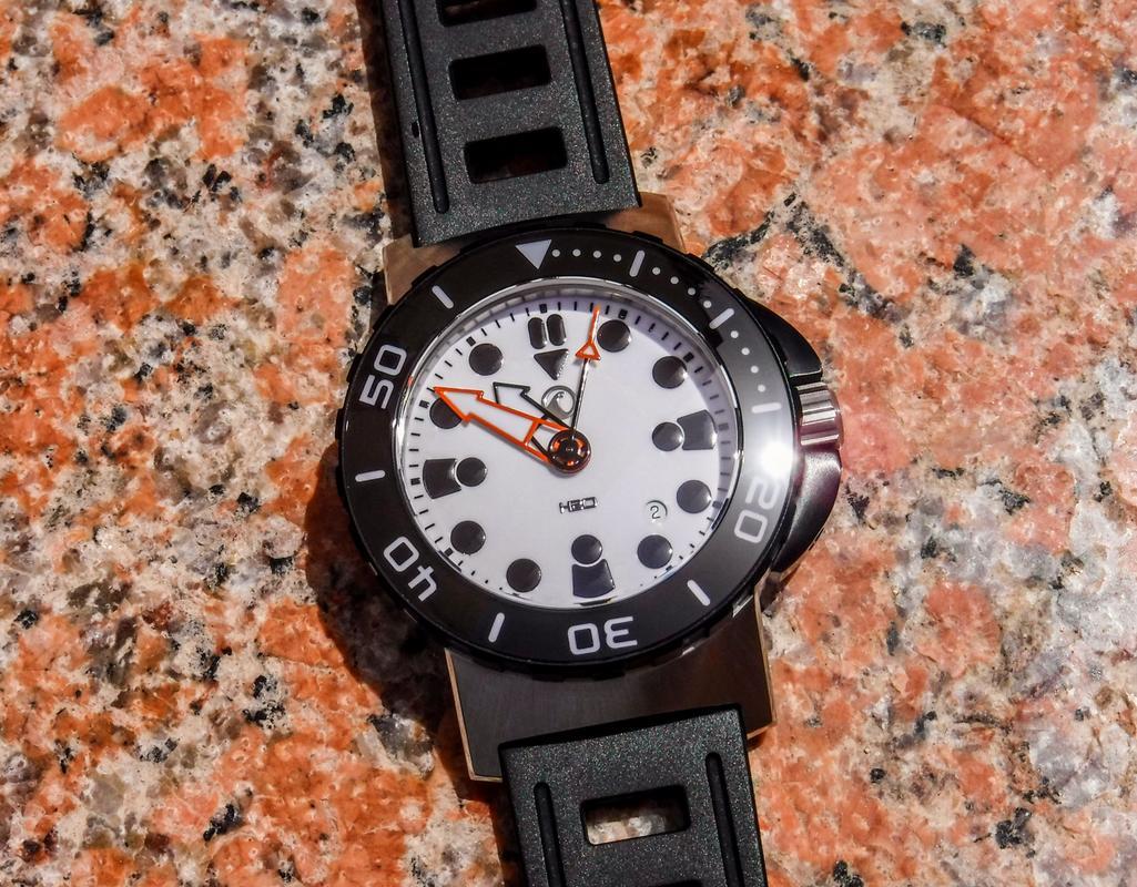 Votre montre du jour - Page 17 DSCF2548_1_1600x1200