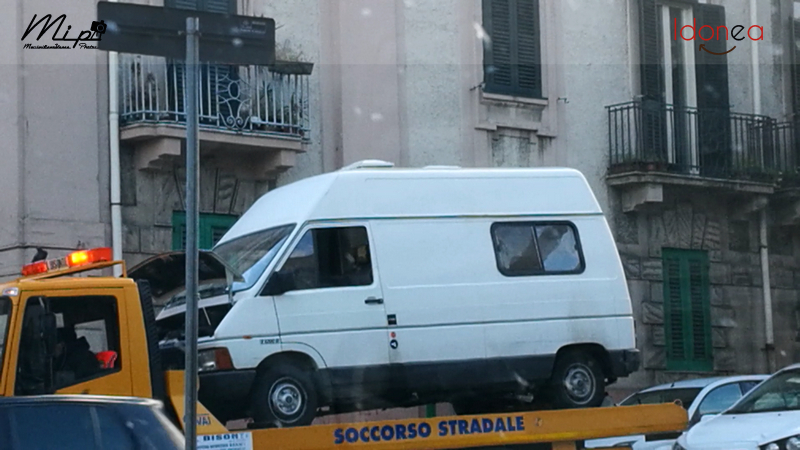 Veicoli commerciali e mezzi pesanti d'epoca o rari circolanti - Pagina 4 Renault_Trafic_Diesel_2.1_60cv_83_ME359785_2