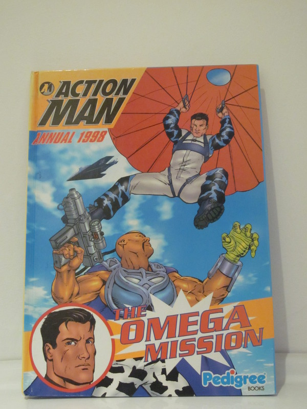 Action Man annuals and books IMG_3927