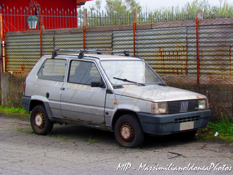 Auto Abbandonate - Pagina 40 Fiat_Panda_750_34cv_88_CT826217