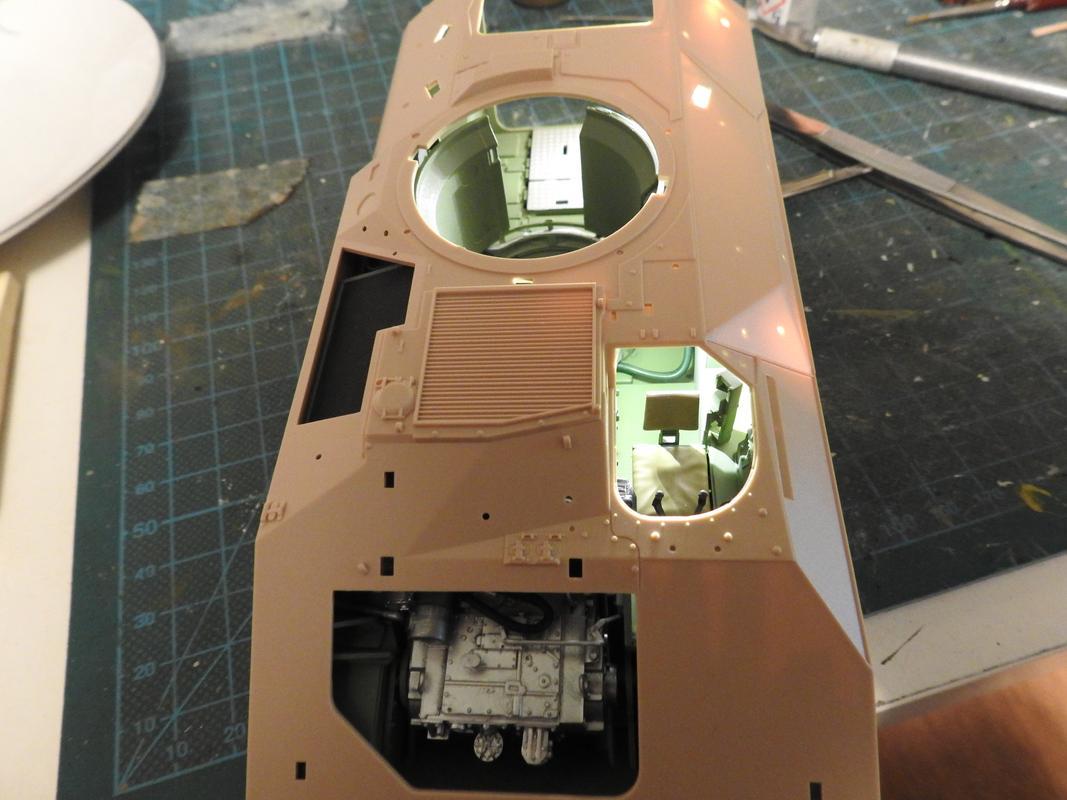 M3A3 Bradley TUSK III- Meng 1/35 - Sida 2 DSCN6075