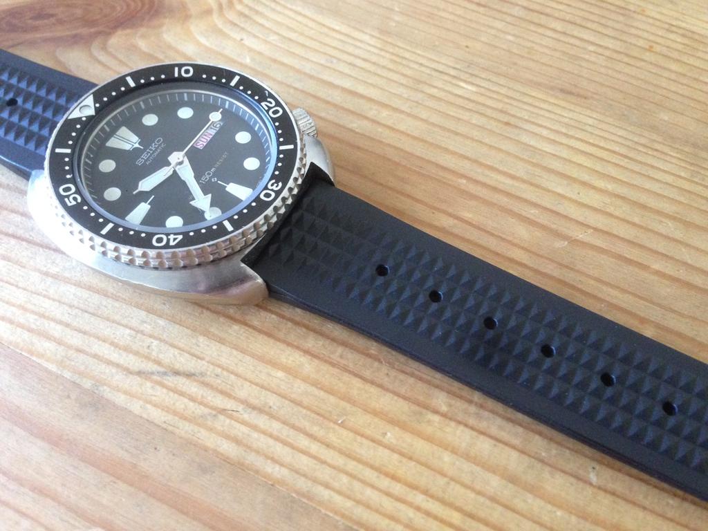 Uncle Seiko Waffle Strap — Para os divers Seiko IMG_7635