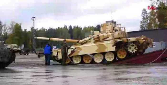 Russia Arms Expo 2013 - Page 2 LdfwJ