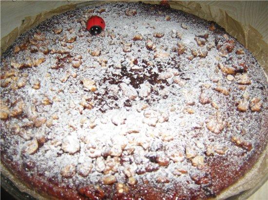Простой сладкий пирожок под глазурью из джема и грецких орехов 60fabc52d136