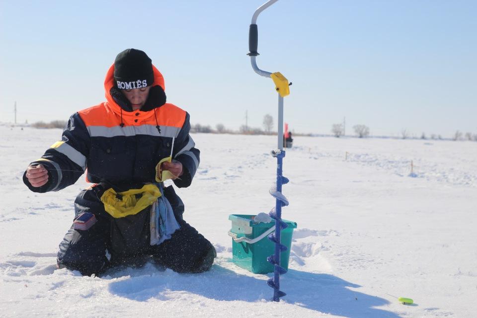 Первенство города Кургана по ловле на мормышку со льда среди юношей и девушек с 14 до 17 лет. Bd20d97b2958