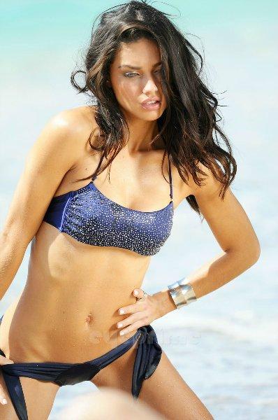 Adriana Lima 58b92bcea67c