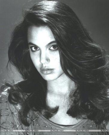 Анжелина Джоли / Angelina Jolie - Страница 2 14341f9de0d4