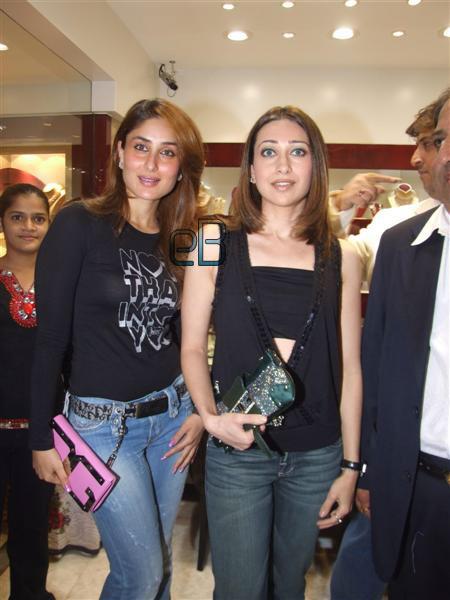 Karina and Karishma Kapoor 218421fd15ed