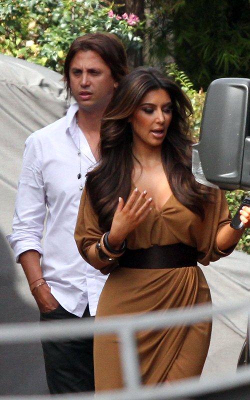 Kim Kardashian  - Страница 2 Beb665c8bba8