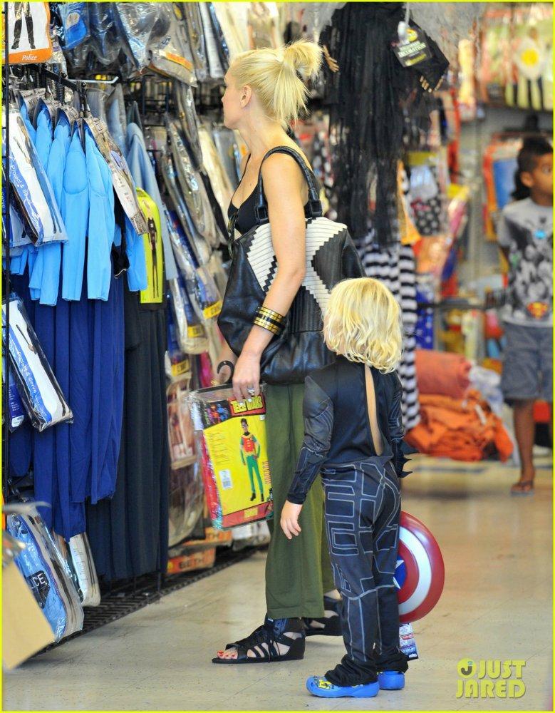 Gwen Stefanie - Страница 6 D5396f57c067