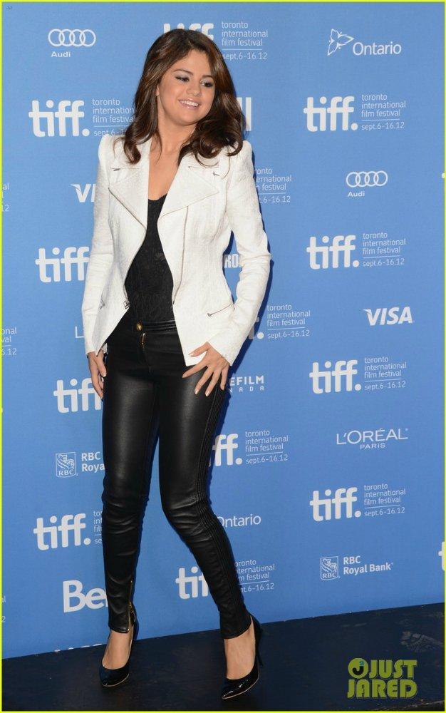 Selena Gomez | Селена Гомес - Страница 6 1c81f7bdbfc1
