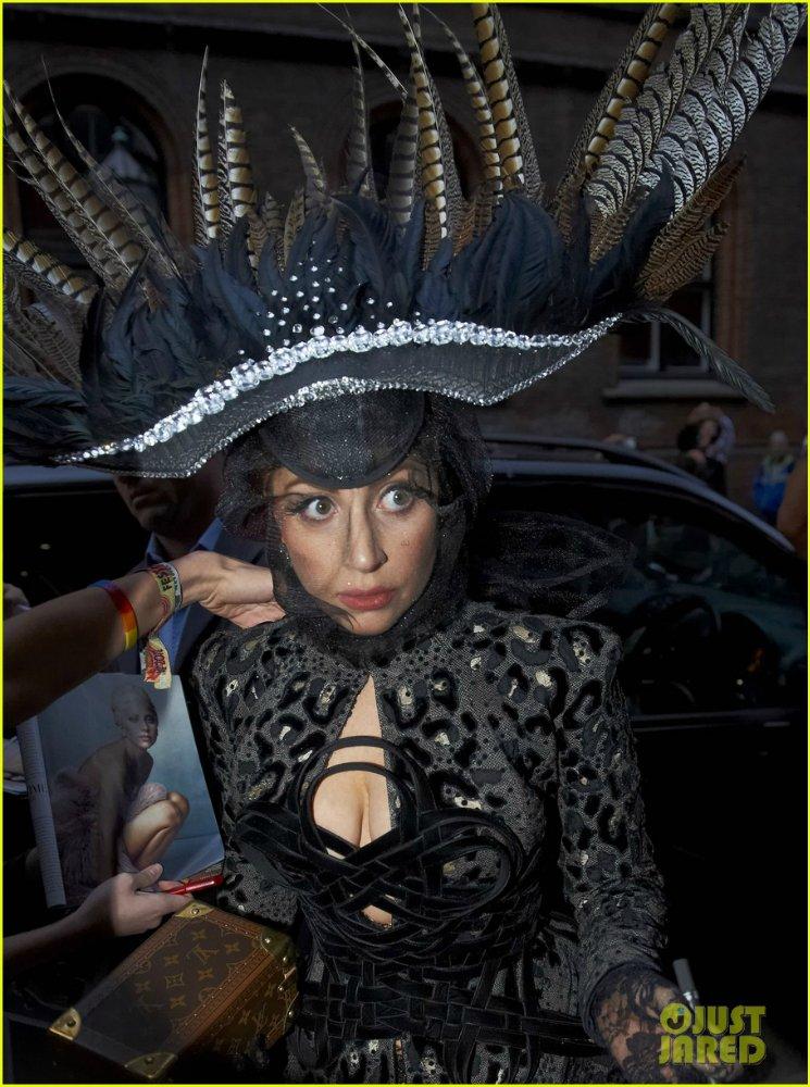 Lady GaGa  - Страница 4 23eb84ab0601