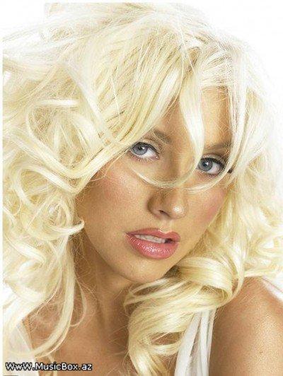 Christina Aguilera 338581abece1