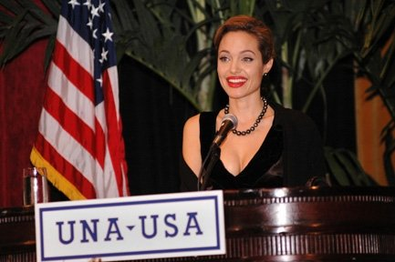 Анжелина Джоли / Angelina Jolie - Страница 2 714ae236d5f8