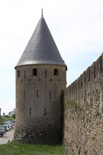 Каркассон (франц. Carcassonne) - город-крепость. 6984cf6da50a