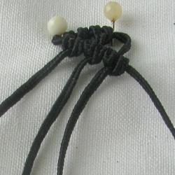 10 плетёных цепочек с бисером в технике макраме 374dbeddf1c9
