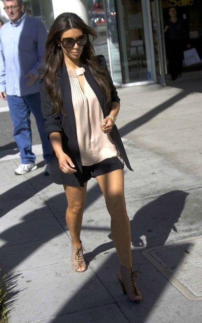 Kim Kardashian  - Страница 3 5b4141d12f59