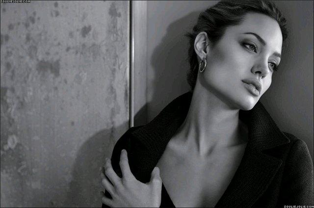 Анжелина Джоли / Angelina Jolie - Страница 2 91f5d0a97740