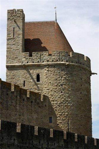 Каркассон (франц. Carcassonne) - город-крепость. A7a9a73d624a