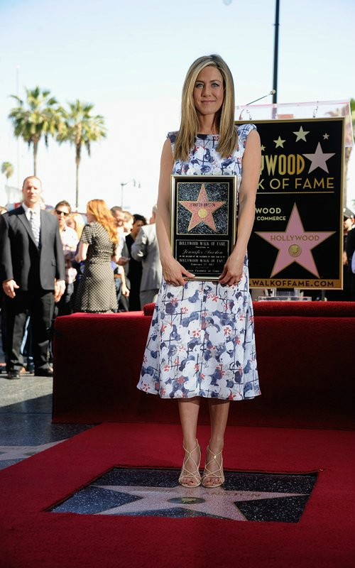 Jennifer Aniston - Страница 6 139380fa9209