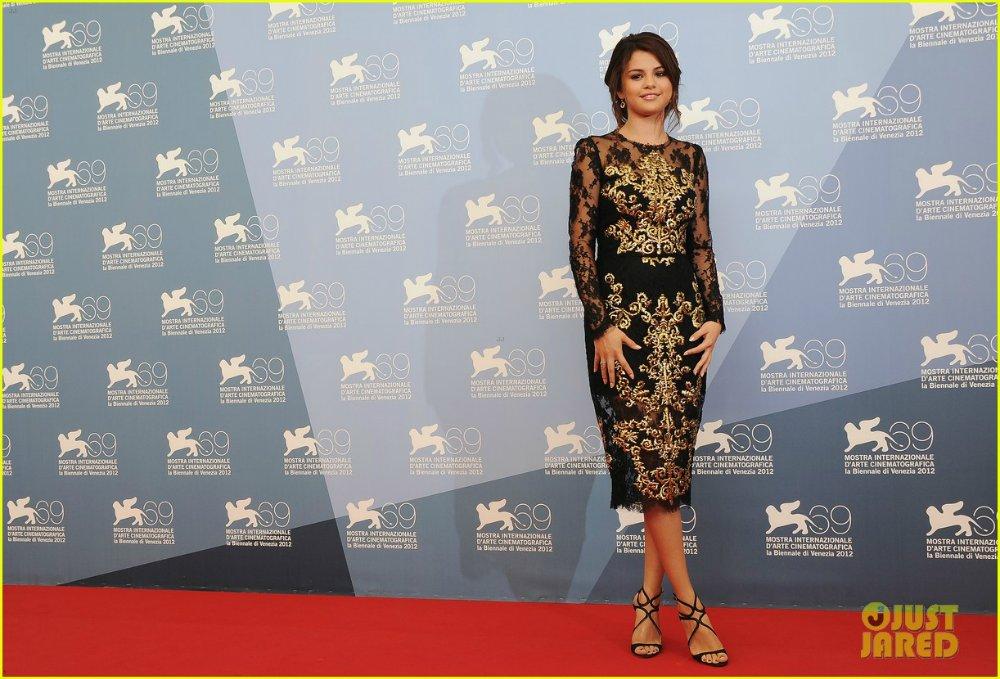 Selena Gomez | Селена Гомес - Страница 6 Ffe6fe7a566e