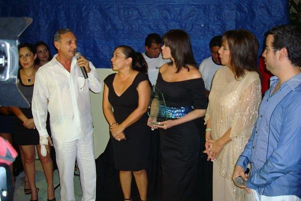 Лусия Мендес/Lucia Mendez 4 - Страница 15 769d43c538d8