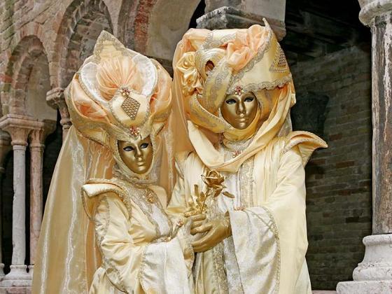 Венецианские маски 4066e21e6a77