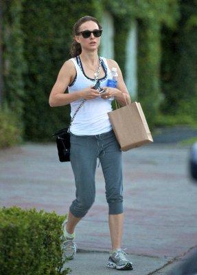 Natalie Portman  - Страница 2 B45ed1dc865c