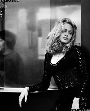 Анжелина Джоли / Angelina Jolie - Страница 2 32625e9f75d6