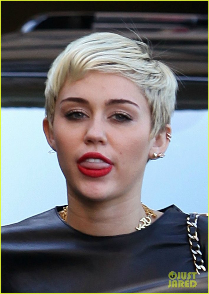 Miley Cyrus - Страница 5 D15cceced824