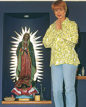 Летисия Кальдерон / Leticia Calderon - Страница 2 Be8f98dcfb49