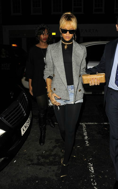 Rihanna  - Страница 3 8f64b01a0322