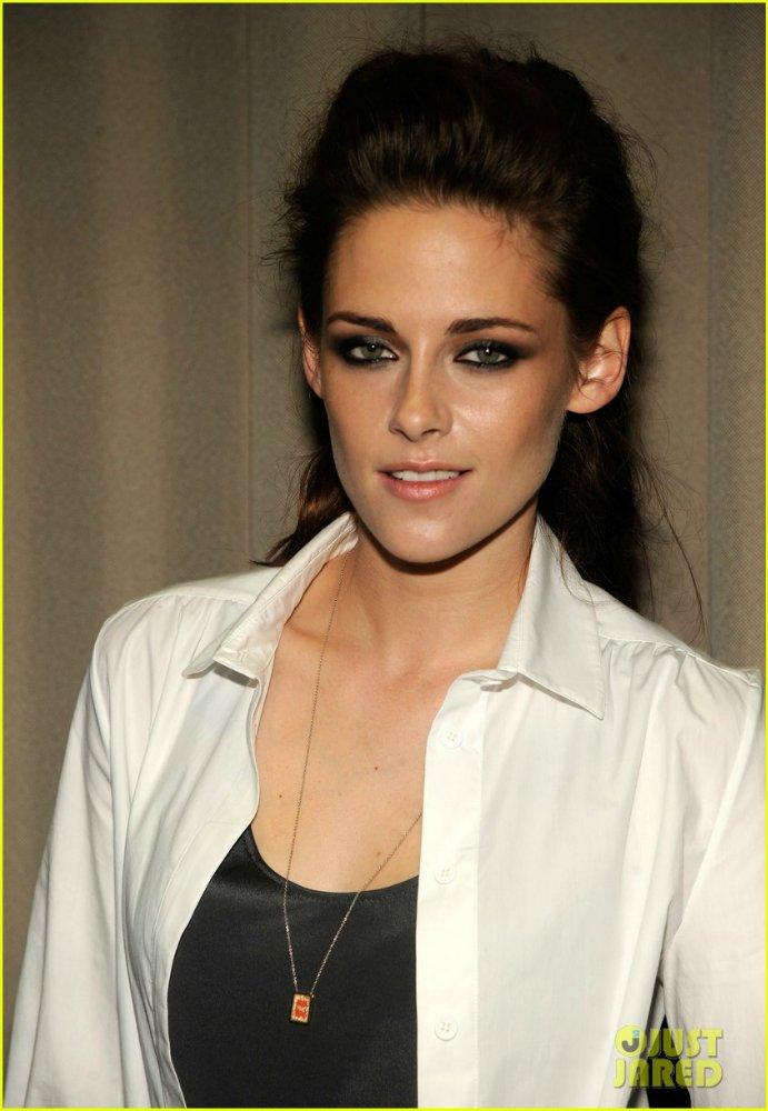 Kristen Stewart - Страница 6 Dbe803e1841b