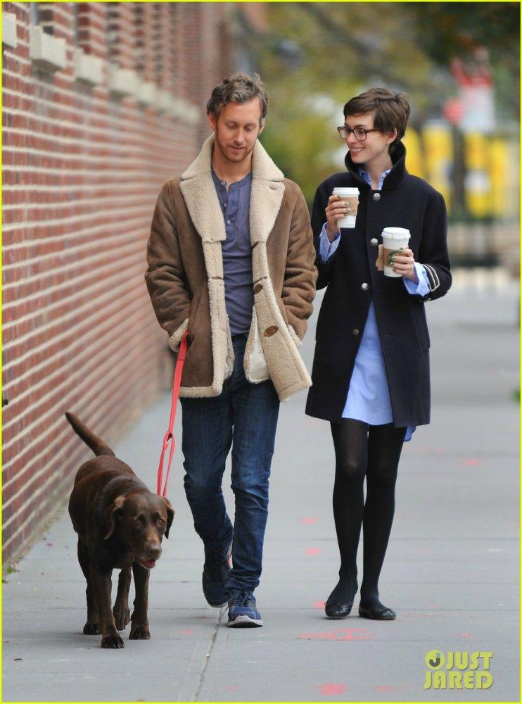 Anne Hathaway/Энн Хэтэуэй - Страница 4 7dd38894a771