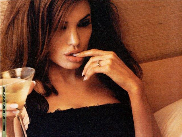Анжелина Джоли / Angelina Jolie - Страница 2 8d3df4dbe660