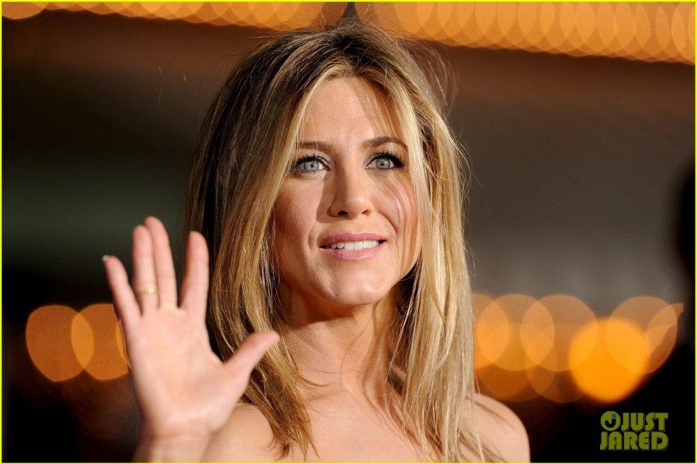 Jennifer Aniston - Страница 5 88a0ce796d53