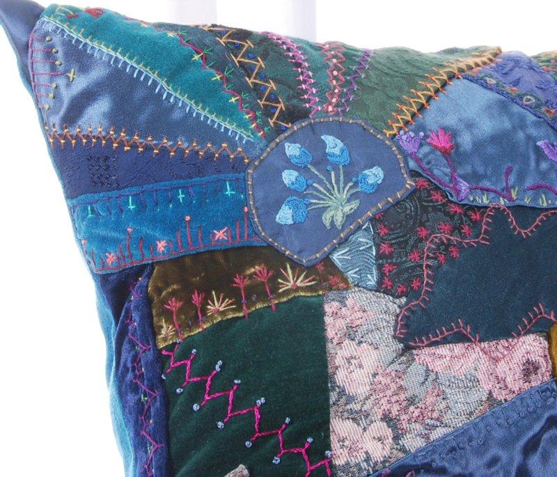 Потрясающие рукодельные декоративные подушки 8dab768ca1c8