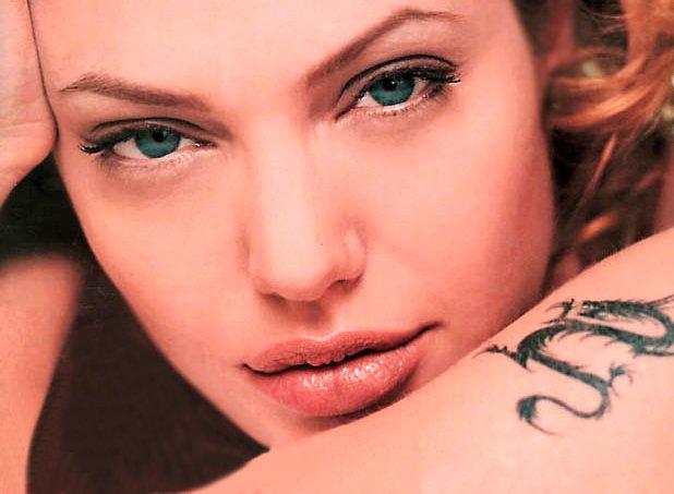 Анжелина Джоли / Angelina Jolie - Страница 2 B121688c494a