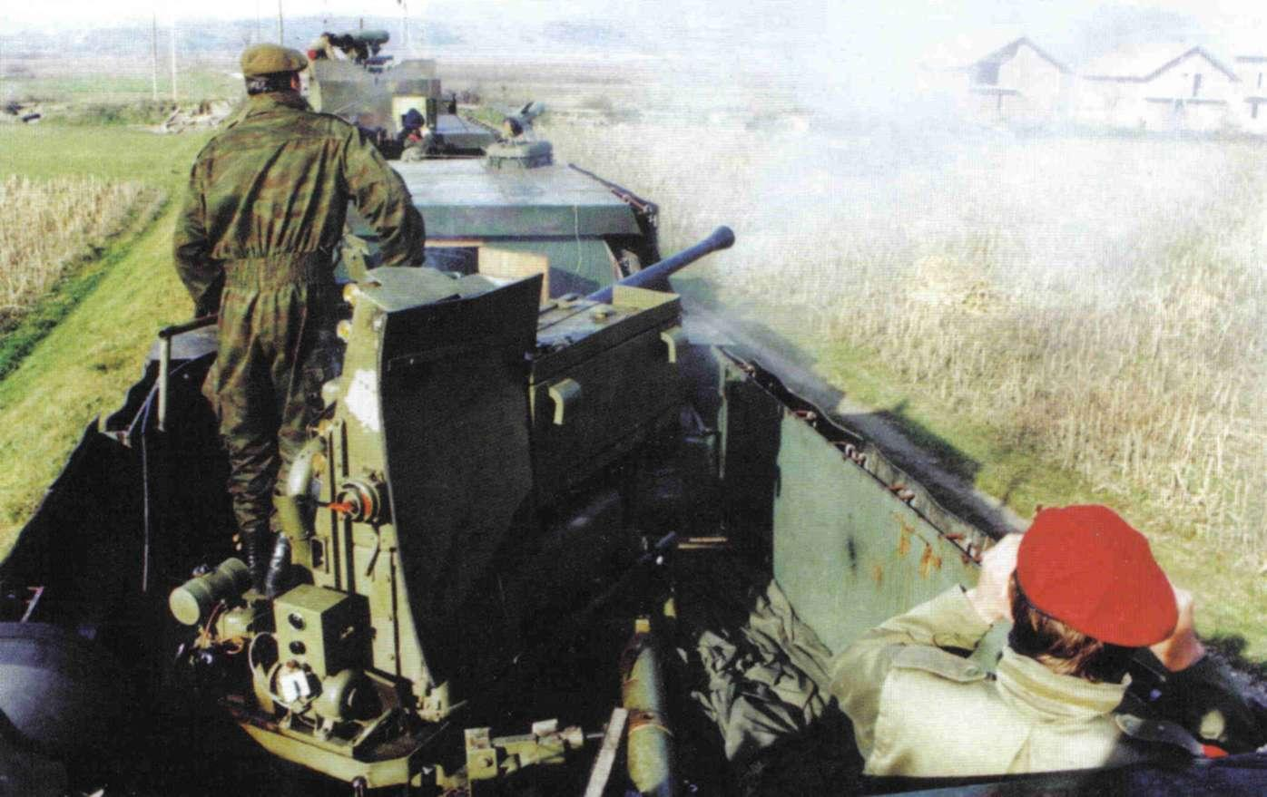 trains blindés F6c11994c80f