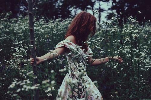 لا ترحلي هادية .. كلنا نحبك Beautiful-fantasy-field-flowers-Favim.com-3411476