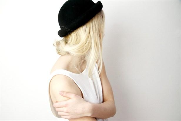 قبعات بنات روعة  Black-blonde-fashion-girl-Favim.com-593383