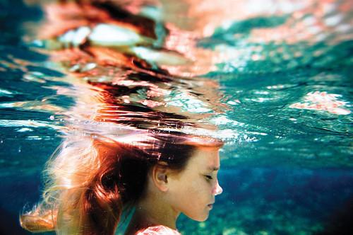[..يُرعبني....! Cold-girl-hair-little-Favim.com-599195