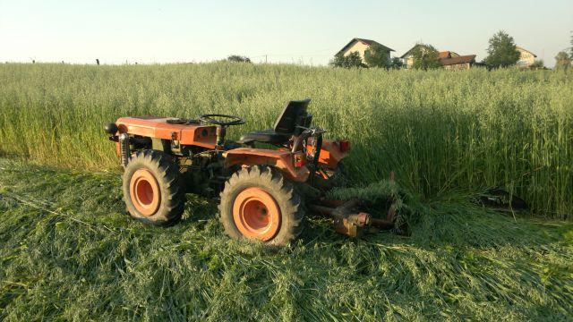 Traktorski priključci - Page 2 20442039