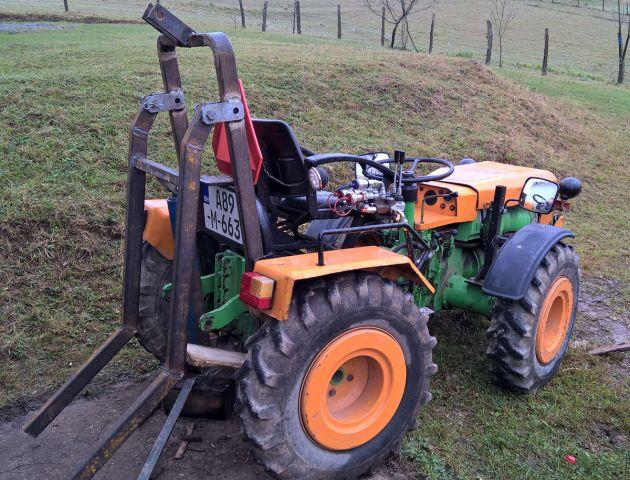 Zadnji traktorski utovarivač - Page 2 23397656