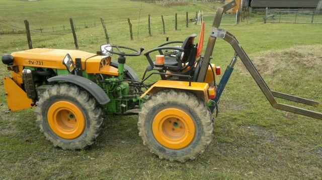 Zadnji traktorski utovarivač - Page 2 23399281